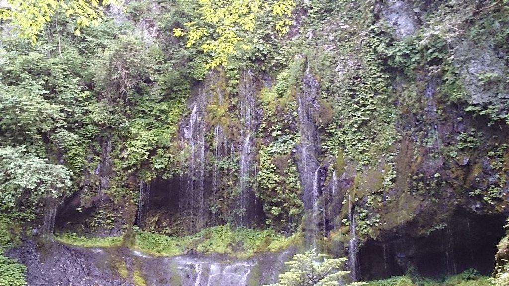 不易の滝①