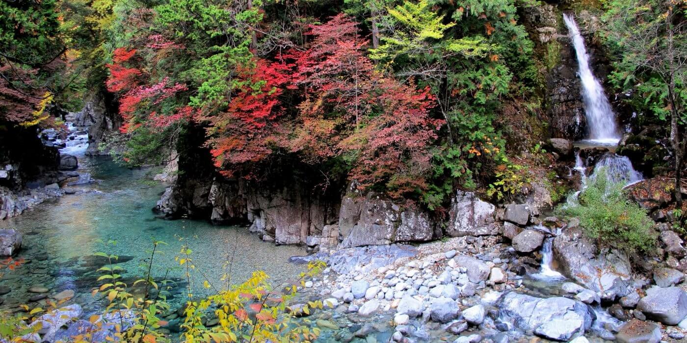 木曽谷一の絶景スポット「阿寺渓谷」へ