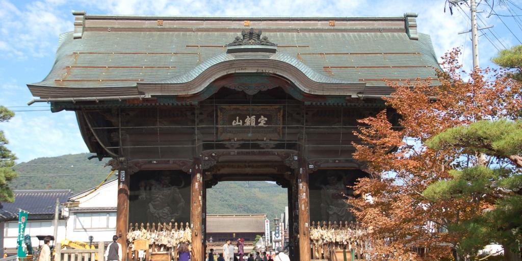 善光寺の仁王門