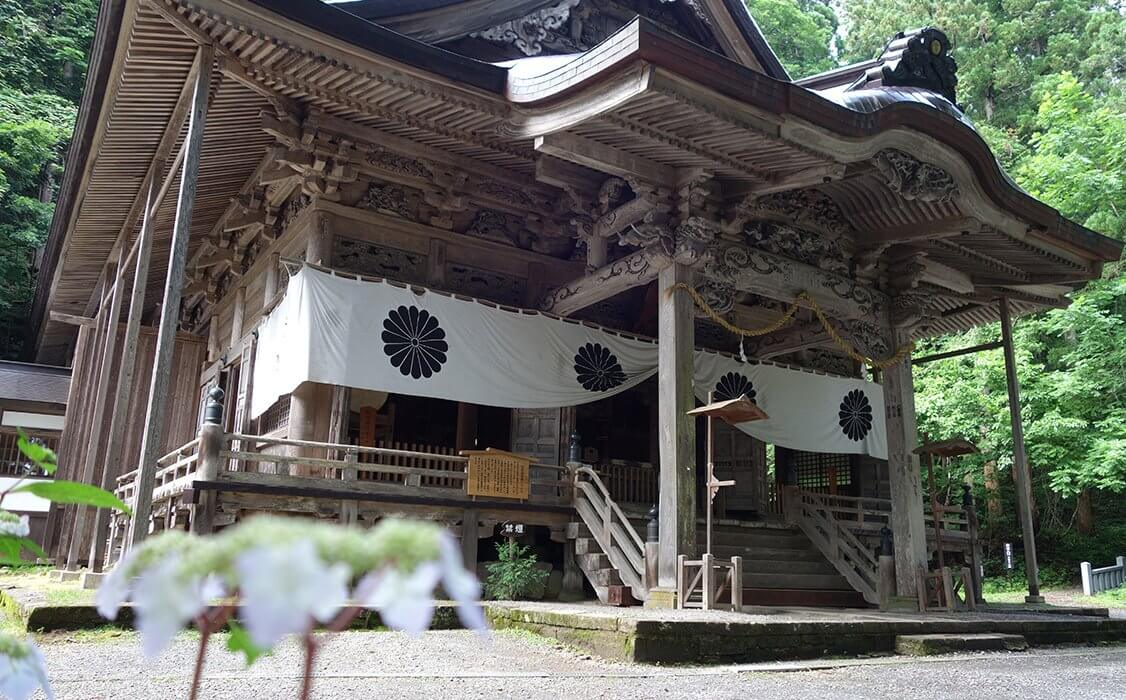 戸隠神社宝光社から始まる彫刻アートトリップ